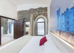B&B Hotel Trieste - Triest - Schlafzimmer