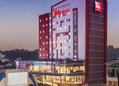 Ibis Manado City Center Boulevard - Manado - Bygning