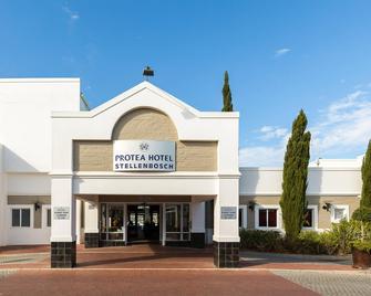 Protea Hotel by Marriott Stellenbosch - Стелленбос - Building