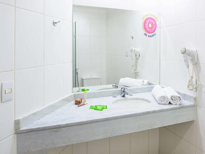 阿科巴烏魯酒店 - 巴烏魯 - 包魯 - 浴室