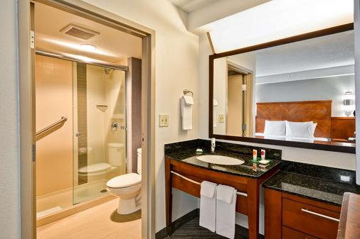 Hyatt Place Baton Rouge I -10 - Baton Rouge - Bathroom