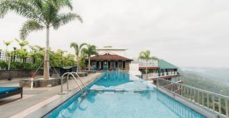 全景休閒酒店 - 慕恩納 - 蒙納 - 游泳池