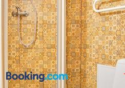 Guest House Vasara - Nida - Bathroom