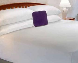 Knights Inn Pembroke - Пембрук - Спальня