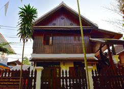 Thatsaphone Hotel - Luang Prabang - Building