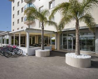 Simon Hotel - Pomezia - Building