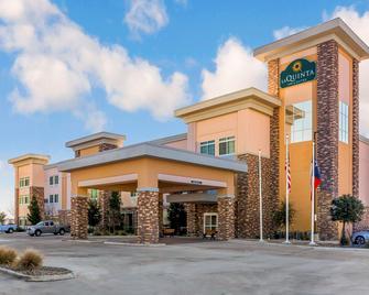 La Quinta Inn & Suites by Wyndham Monahans - Monahans - Building