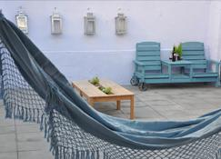 Aloha Beach House Hostel - Carcavelos - Balcon