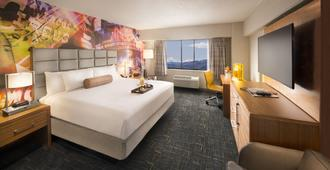Circus Circus Hotel Casino Reno At The Row - Reno - Bedroom