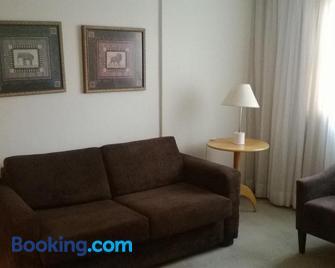 Residencial Saint Joseph - Sao Jose dos Pinhais - Wohnzimmer