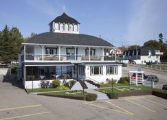 Hotel-Motel Georges - Tadoussac - Rakennus
