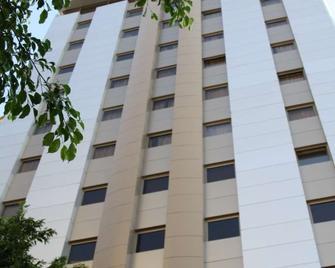 Grand Hotel Beirut - Bejrút - Building