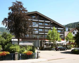 Hotel Pflug Ottenhöfen - Ottenhöfen im Schwarzwald - Edificio
