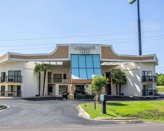 Quality Inn Selma - Selma - Building