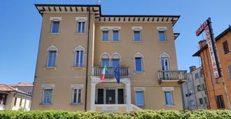 Hotel Montepiana - Venecia - Edificio