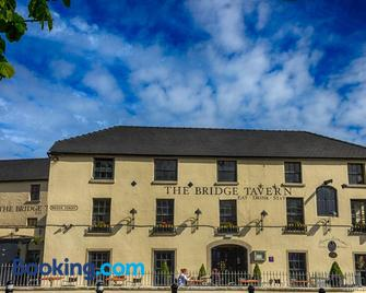 The Bridge Tavern - Wicklow - Building