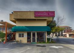 University Inn - Chico - Building