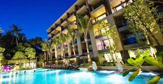 Novotel Phuket Kata Avista Resort And Spa (Sha Plus+) - קארון - בריכה