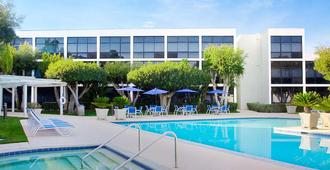 Four Points by Sheraton San Diego - San Diego - Piscina