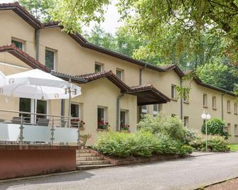 Hôtel The Originals ASTER - Creutzwald - Edificio