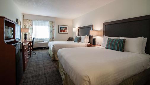 Best Western Plus University Park Inn & Suites - Ames - Phòng ngủ