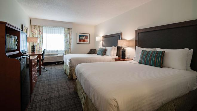 Best Western Plus University Park Inn & Suites - Ames - Schlafzimmer