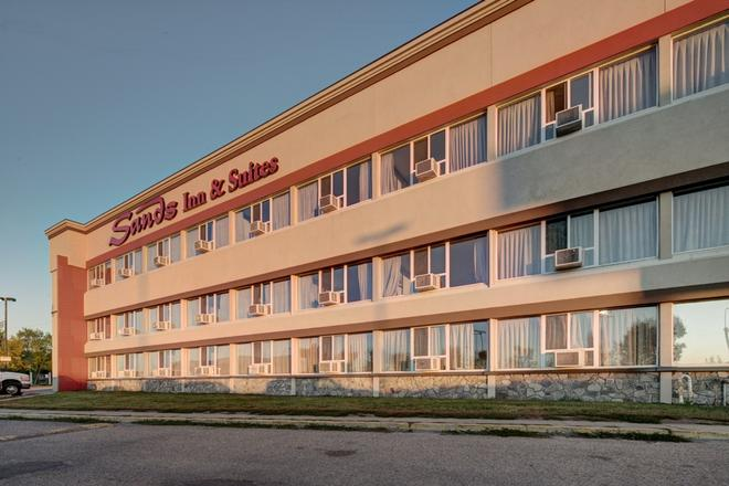 Sands Inn & Suites - Edmonton - Building