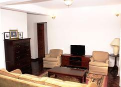 Manaona Guest House - Antananarivo - Living room