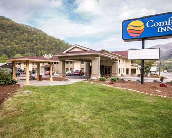 Comfort Inn near Great Smoky Mountain National Park - Maggie Valley - Gebäude