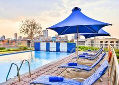比勒陀利亞rh酒店 - 比勒陀利亞 - 游泳池