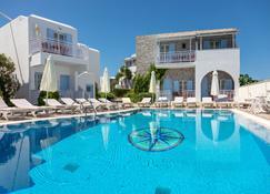 Ξενοδοχείο Κατερίνα Νάξος - Agios Prokopios - Πισίνα