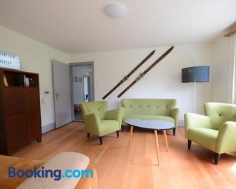 Lake House - Bonigen - Living room