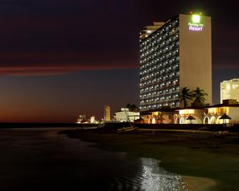 Holiday Inn Resort Mazatlan - Mazatlán - Gebäude