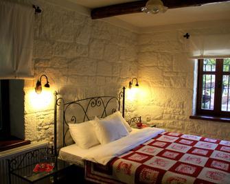 Assos Nar Konak - Behram - Bedroom