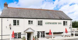 The Haymaker Inn - Chard - Edificio