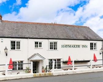 The Haymaker Inn - Chard - Gebäude