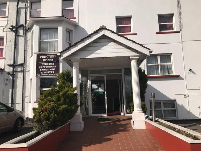 Shalimar Hotel - Hounslow - Building