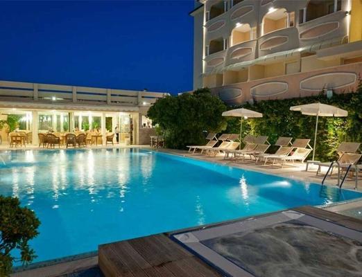 Hotel Derby Exclusive - Milano Marittima - Uima-allas