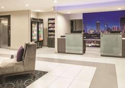 La Quinta Inn & Suites by Wyndham Dallas Mesquite - Mesquite - Σαλόνι ξενοδοχείου