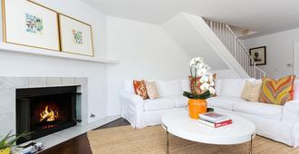 Beautiful and Chic One Bedroom Home in Brentwoodupscale westside area in LA - Los Angeles - Living room
