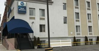Best Western Jamaica Inn - Queens - Edificio