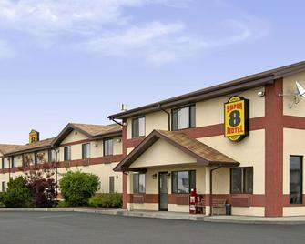 Super 8 by Wyndham Pendleton - Pendleton - Building