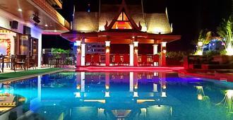 Prime Asia Hotel - Angeles City - Piscina