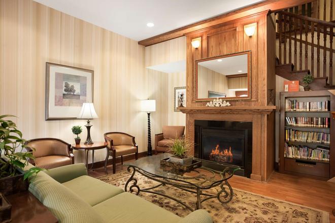 Country Inn & Suites by Radisson, Ithaca, NY - Ithaca - Olohuone