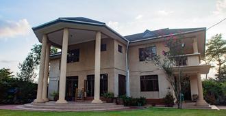 White House Of Tanzania - Hostel - Arusha - Edificio