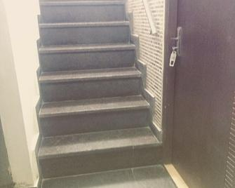 Hotel Sartaj - Ludhiana - Escadas