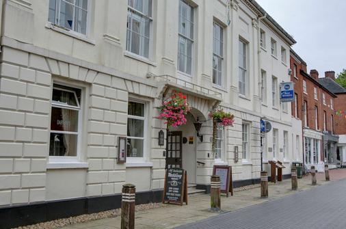 Best Western Lichfield City Centre The George Hotel - Lichfield - Gebäude