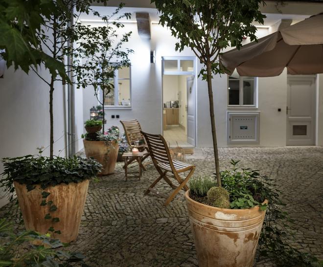 布拉格四棵樹公寓式酒店 - 布拉格 - 天井