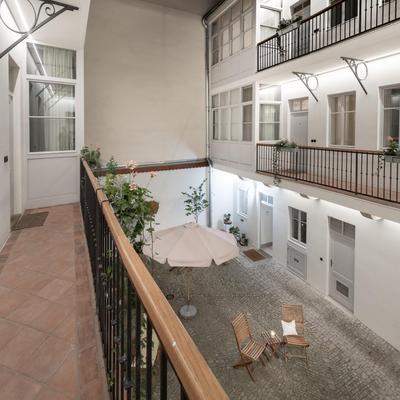 布拉格四棵樹公寓式酒店 - 布拉格 - 陽台