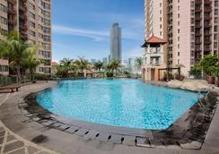 阿斯頓拉蘇娜酒店 - 雅加達 - 雅加達 - 游泳池